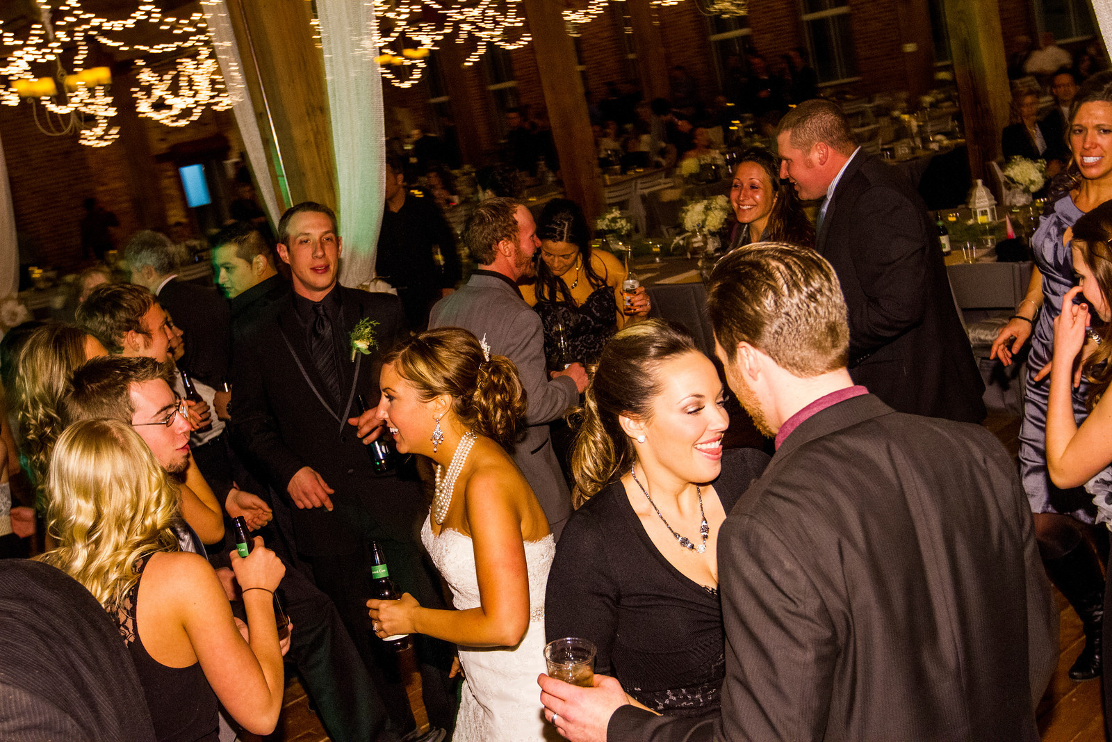 Top 10 Reasons To Have Dueling Pianos For Your Wedding Entertainment