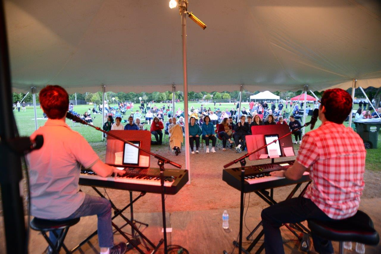 Lincolnwood Dueling Pianos Concert!