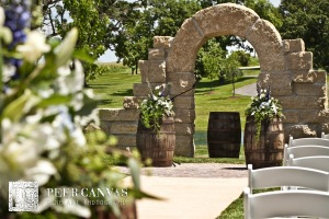 dry creek estate wedding alter
