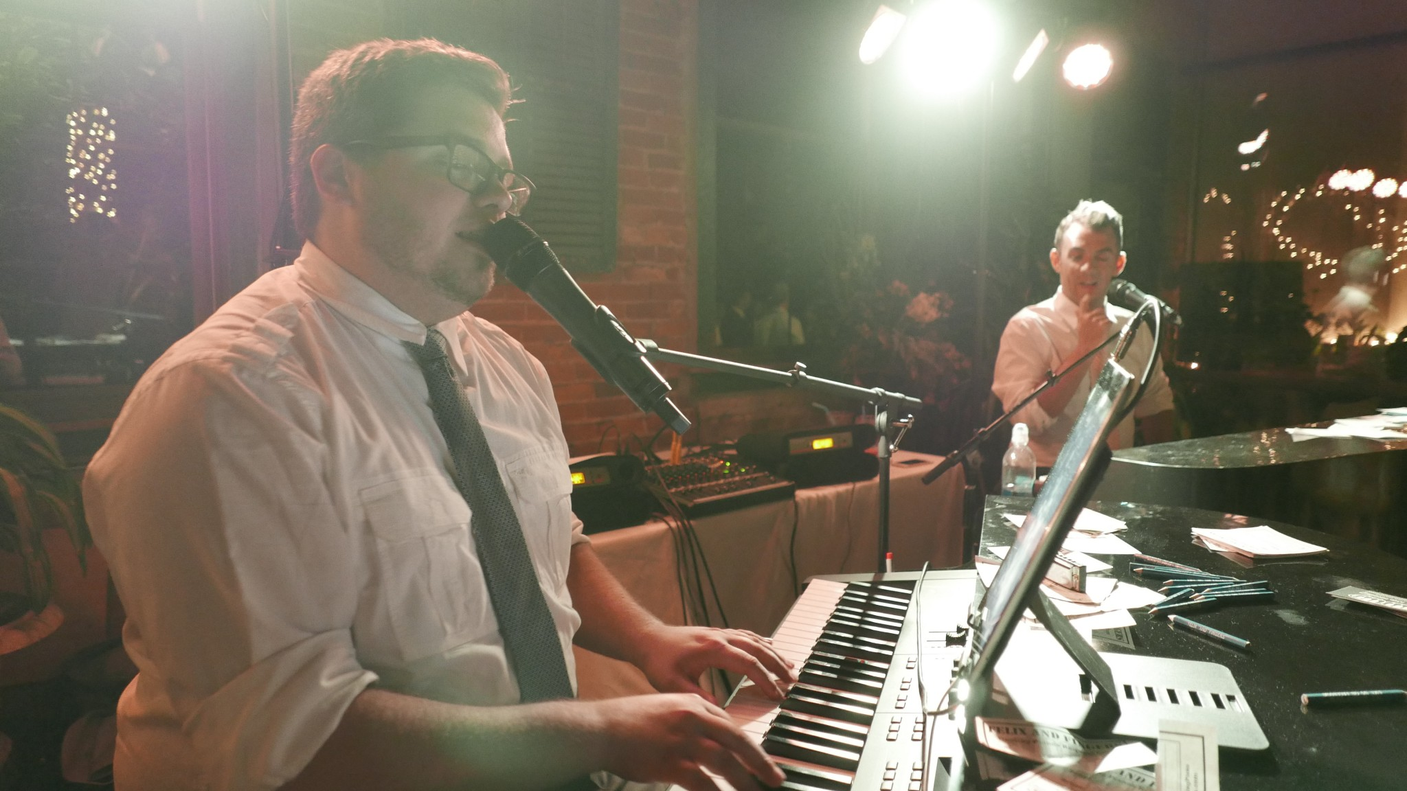 Win a free wedding from Felix and Fingers Dueling Pianos!